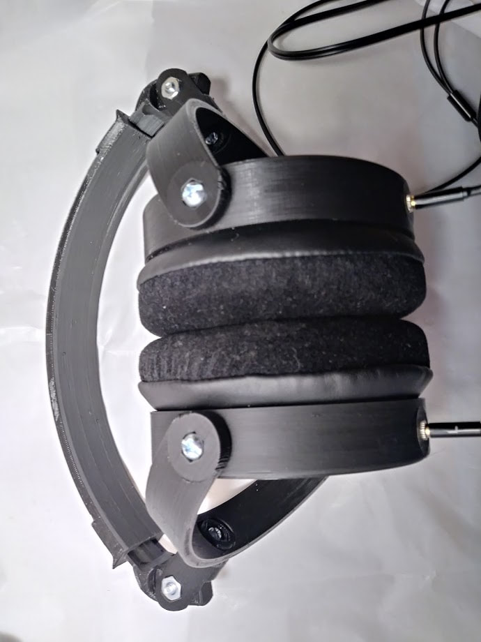 Large headphones black